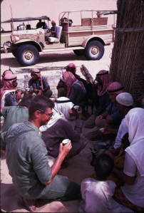 drinbking tea with bedu in gulf 1968